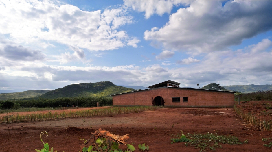 5_Manica Community Centre_entrance